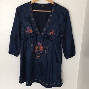 Forever 21 navy blue embroidered tunic size large